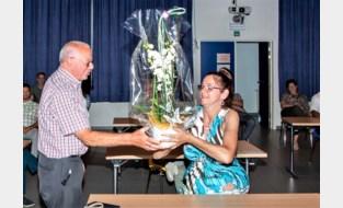 Veronique in de bloemetjes gezet als vijfhonderdste lid van buurtinformatienetwerk