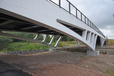 Nieuwe brug naar gevangenis heet voortaan Zwijvekebrug