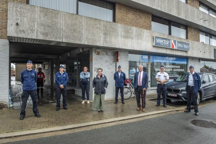 """Wijkdienst politie verhuist naar voormalig reisbureau: """"Nieuwe locatie biedt heel wat mogelijkheden"""""""