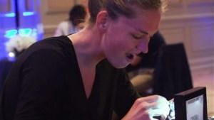 """Emma Meesseman over haar WNBA-ring met 120 diamanten: """"Meteen wow"""""""