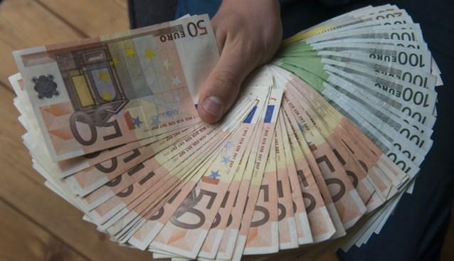 Man troggelt ex-celgenoot kwart miljoen euro af om seksverslaving te bekostigen