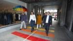 Stadsbestuur wandelt tweede regenboogzebrapad in