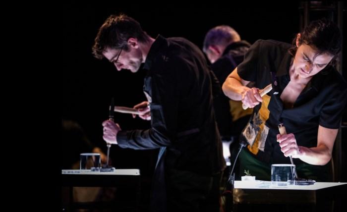 RECENSIE. 'Balsam' van Laika en Zefiro Torna: Weer voorzichtig proeven van theater ****