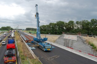 Werken aan Oosterweel komen op kruissnelheid: E17 wordt dit weekend volledig afgesloten voor plaatsing van nieuwe brug