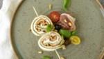 Hap en Tap. Tricolore opgerolde pannenkoekjes met Parmaham