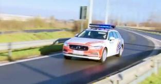 Man stapt uit na klapband op E40 en wordt doodgereden voor ogen van vrouw en dochter