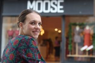 Zuid-Afrikaanse uitbaatster Moose Butik ontwerpt kledinglijn met naam van haar dochtertje: 'Dear Eva'