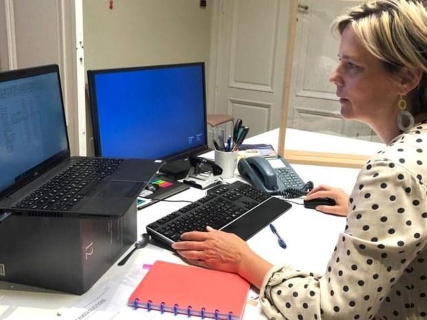 """Burgemeester werd slachtoffer van internetfraude, nu waarschuwt ze haar stadsgenoten: """"Nooit gedacht dat ik hier zou intrappen"""""""