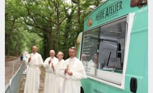 Na kaas en bier pakken paters uit met nieuw product: ijsje van de abdij