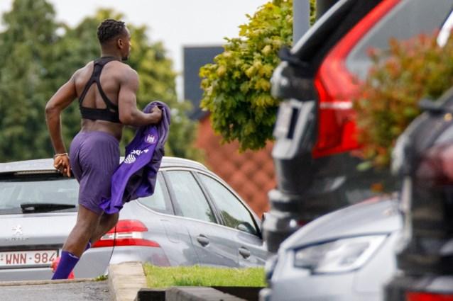 Anderlecht-spits Landry Dimata is een bodybuilder geworden