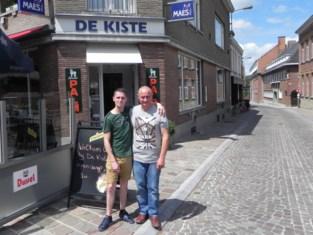 """Weduwnaar en zoon van geliefde cafébazin zetten De Kiste verder: """"Dieter heeft me kunnen overtuigen"""""""