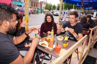 Twee nieuwe eetcafés op Vlasmarkt dankzij wel zéér plaatselijke 'Deliveroo'