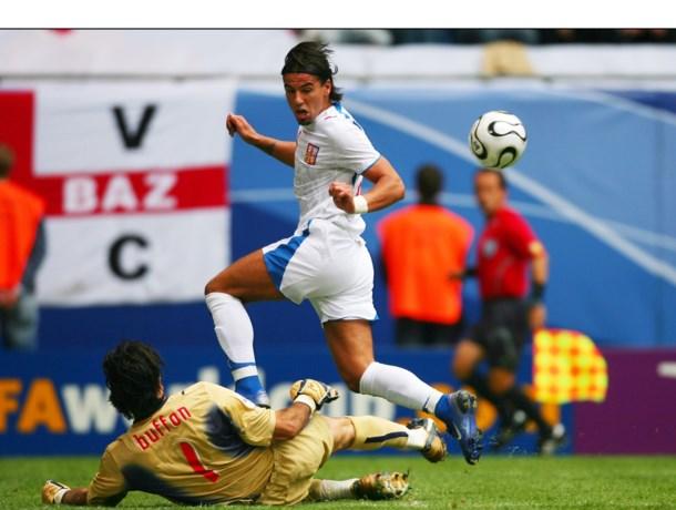 Voormalig topspits Milan Baros zet punt achter carrière