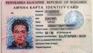Mensensmokkelaars gebruiken originele identiteitskaarten van 'dubbelgangers'