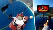 Paraglider haalt levensgevaarlijke stunt uit met zetel en televisie… maar zonder veiligheidsuitrusting