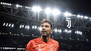 Levende legende Buffon breekt record van aantal wedstrijden in Serie A, Ronaldo viert met heerlijke vrije trap