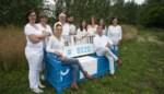 """Blauw-witte """"babbelbank"""" trekt door gemeente"""