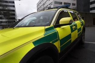 Fietser en bestuurder van bestelwagen gewond na aanrijding