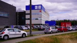 Gentse technologiecampus kreunt onder de auto's: parkeertoren en slagbomen op komst