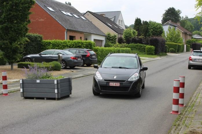 """Wijk Ingendael vraagt oplossing voor sluipverkeer, maar gemeente wacht op mobiliteitsplan: """"De vraag is of we voor alles een oplossing zullen vinden"""""""