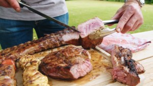 Hoe zie je wanneer je vlees gaar is? Barbecuespecialist Peter De Clercq legt het uit