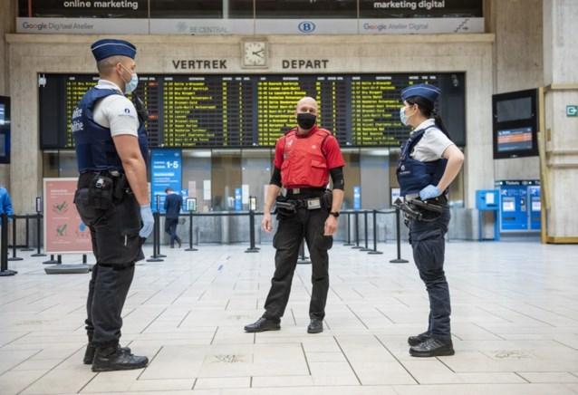 Federale Spoorwegpolitie en Securail zullen reizigers zonder mondmasker beboeten