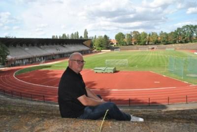 Deze voetbaltempels boden ooit plaats aan 40.000 toeschouwers of waren het toneel van felbevochten wedstrijden van de Rode Duivels, nu heersen er onkruid en stilte