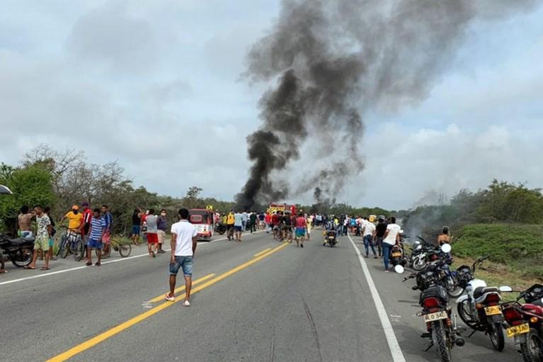 Minstens 7 doden en 46 gewonden nadat gekantelde tankwagen ontploft in Colombia