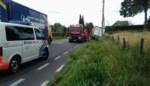 Vrachtwagen belandt in gracht