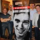 Het bestuur van de supportersclub van Bjorg Lambrecht zit niet stil. Zo is er een boek over de renner en een memorial op komst.
