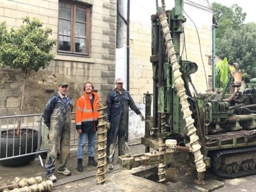 Preventieve boringen in de Kleinstraat Val-Meer leiden tot onbekende mergelholte
