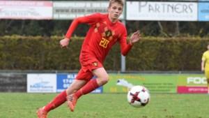 15-jarige toptalent Mathis Servais tekent profcontract bij Club Brugge