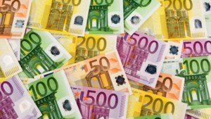 N-VA bijna even rijk als alle andere Vlaamse partijen samen