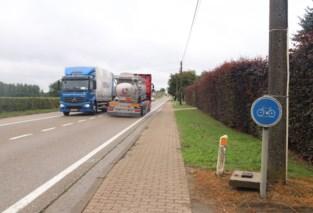 Gescheiden fietspaden langs gewestweg naar Tienen