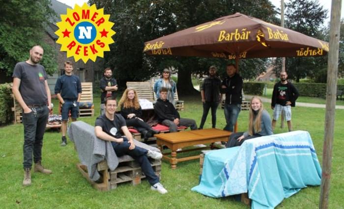 """Jeugdhuis palmt park in en geeft jeugdbewegingen de kans om er de zomerbar open te houden: """"Zo kunnen ze de kans spijzen"""""""