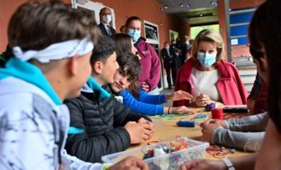 Mathilde bezoekt kamp voor kansarme kinderen in De Pinte