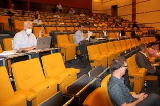 Gemeenteraad voor het eerst in auditorium