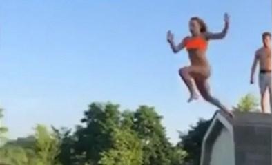 Pijnlijk: tiener wil via dak het zwembad in duiken, maar dat loopt mis af