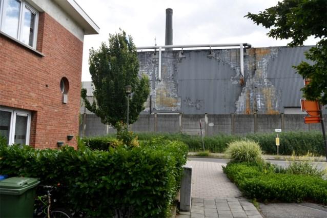 Umicore overweegt vergoeding voor elk gezin dat wil verhuizen, Antwerpen wil kinderen op kamp sturen