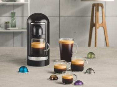 GETEST. Eindelijk een Nespressotoestel voor wie een grote kop koffie wil. Onze reporter deed de test