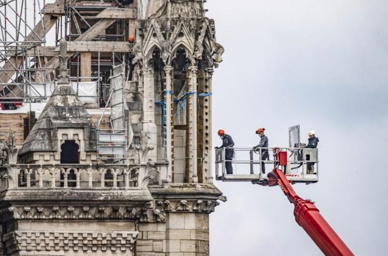Franse president Macron: gerestaureerde Notre-Dame moet identiek zijn