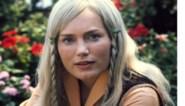 Hoe zou het nog zijn met Maroesja Lacunes? Het blonde tovermeisje schildert nu naaktportretten