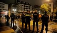"""Indrukwekkende politiemacht in uitgaansbuurt: """"Maar niet de hele zomer: dat is niet mogelijk"""""""