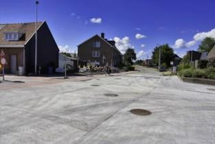 Kruispunt Dorpsstraat en Koning Albertlaan is weer open voor verkeer