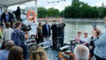 3.000ste passagier Waterbus in de bloemetjes gezet