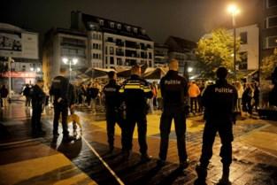 """Knokke-Heist trommelt indrukwekkende politiemacht op in uitgaansbuurt: """"Maar niet de hele zomer, dat is niet mogelijk"""""""