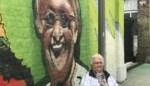"""Christiane (81) prijkt op graffitimuur van wzc Pottelberg: """"Ik deed het voor de hardwerkende zorg"""""""