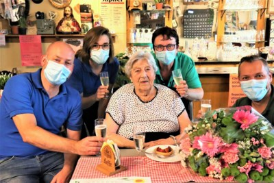 Gabriella klinkt op honderdste verjaardag
