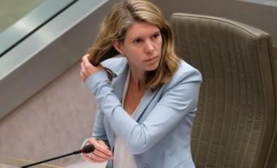"""""""Haar boodschappen schrikken iedereen af"""": Els Ampe (Open VLD) moet alweer op zoek naar nieuwe medewerker"""