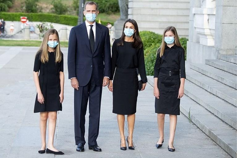 ROYALS. Meghan Markle werkt samen met Michelle Obama en Queen moet personeel ontslaan